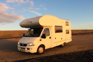 Hire a motorhome in Haarlem from private owners| Fiat Camper