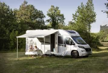 Hire a motorhome in Hebertsfelden from private owners| Carado  Sunwalker