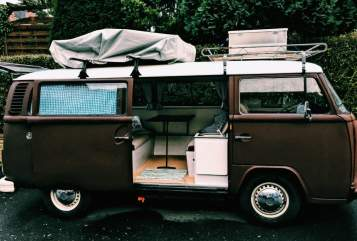 Hire a motorhome in Göttingen from private owners| VW the brown one