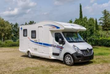Hire a motorhome in Bad Salzdetfurth from private owners| Ahorn Teilhörnchen