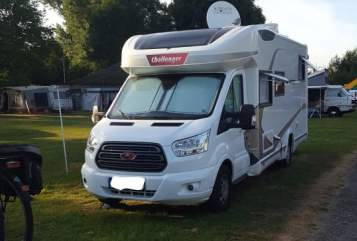 Hire a motorhome in Zülpich from private owners| Ford Challenger Opa's Bester