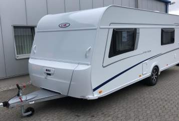 Hire a motorhome in Hellertshausen from private owners| LMC Lord Vivo