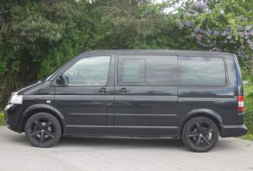 Hire a motorhome in München from private owners  VW-Bus T5 Zorro