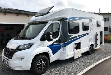 Hire a motorhome in Weihmichl from private owners| Knaus Meggy 007