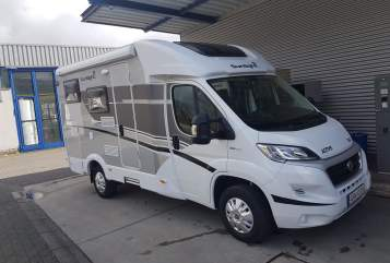 Hire a motorhome in Apen from private owners| Sunlight Thore