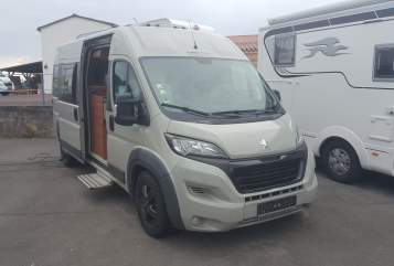 Hire a motorhome in Berlin from private owners| Peugeot VanTouer  VanTourer-Euro5