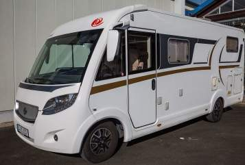 Hire a motorhome in Jena from private owners| EuraMobil EM IL