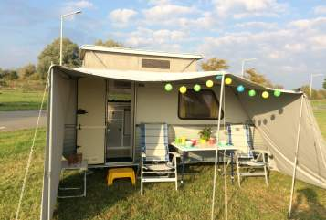Hire a motorhome in Delfzijl from private owners| KIP Kip Kompakt 37