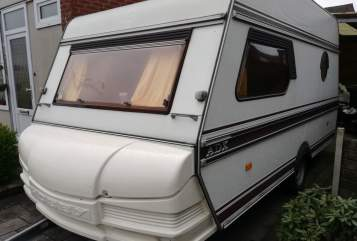 Hire a motorhome in Didam from private owners| HOBBY Jovanny