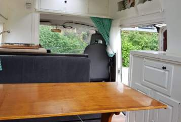Hire a motorhome in Deventer from private owners| Volkswagen Olaf