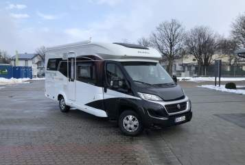Hire a motorhome in Hengersberg from private owners| Hobby Hobby Deluxe
