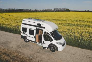 Hire a motorhome in Leipzig from private owners| Weinsberg  Achim