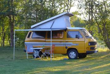 Hire a motorhome in Warendorf from private owners| VW T3 Gelber Bus