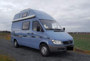 Hire a motorhome in Dresden from private owners| Mercedes Cosmo