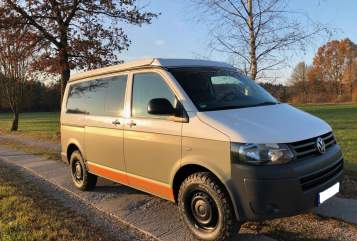 Hire a motorhome in München from private owners| VW T5 Offroad Sepp