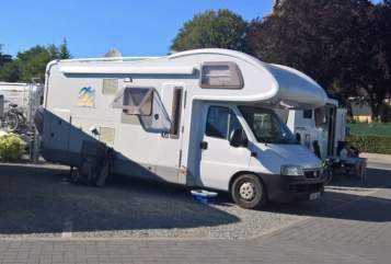 Hire a motorhome in Oberotterbach from private owners| Knaus Rotti