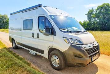 Hire a motorhome in Emmering from private owners| Clever Sammy