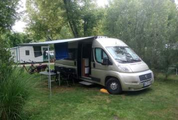 Hire a motorhome in Niestetal from private owners| VanTourer  Sonnenschein