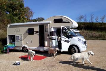 Hire a motorhome in Groß-Gerau from private owners| Ahorn Bolle