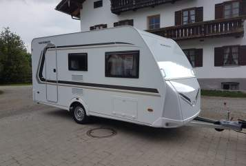 Hire a motorhome in Sauerlach from private owners| Weinsberg Benito