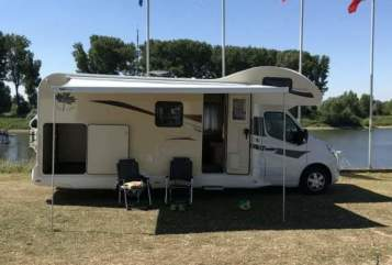 Hire a motorhome in Duisburg from private owners  Ahorn Happy Oslo