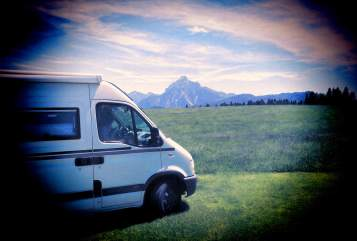 Hire a motorhome in Nierstein from private owners| Opel Martina Camper