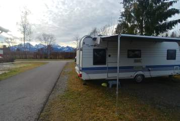 Hire a motorhome in Enger from private owners| Hobby Banyista