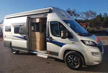 Hire a motorhome in Zeschdorf from private owners| Knaus Jo-Ge