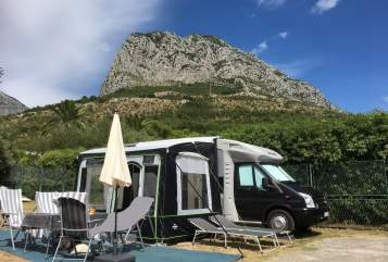 Hire a motorhome in Külsheim from private owners| Ford Dethleff 2,4TDI  BlackGandi