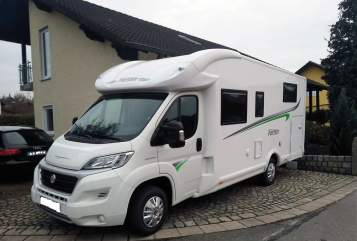 Hire a motorhome in Burglengenfeld from private owners| Forster Forster T699 EB