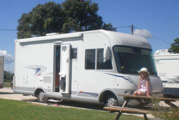 Hire a motorhome in Goch from private owners| Frankia  Franky