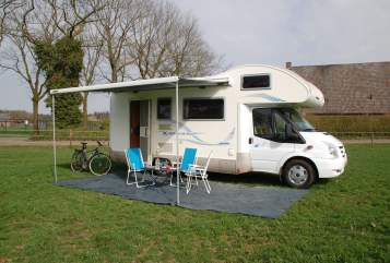 Hire a motorhome in Tilburg from private owners  Ford Rimor 5 katamarano