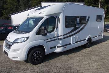 Hire a motorhome in Überlingen from private owners| Orangecamp T 740