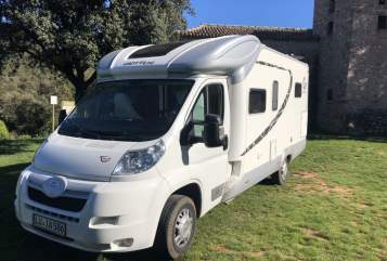 Hire a motorhome in Ludwigshafen am Rhein from private owners| Giottiline Giotto