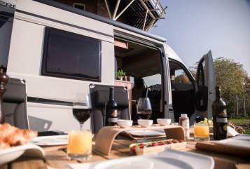 Hire a motorhome in Loenen aan de Vecht from private owners| Carado Flow Shirly