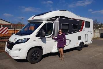 Hire a motorhome in Ludwigshafen am Rhein from private owners| Bürstner Luxus Pur