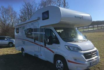 Hire a motorhome in Schnaitsee from private owners| Sunlight Rudii Luxus