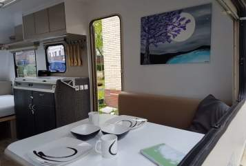 Hire a motorhome in Uetersen from private owners| Adria Uschi
