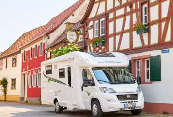 Hire a motorhome in Görgeshausen from private owners| Forster T 738 EB Amira