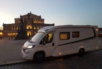 Hire a motorhome in Hutthurm from private owners| Weinsberg Cara Mia