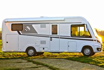 Hire a motorhome in Tremsbüttel from private owners| Knaus Las Vegas