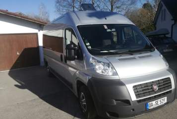 Hire a motorhome in Oy-Mittelberg from private owners| Fiat Ducato Dumbo