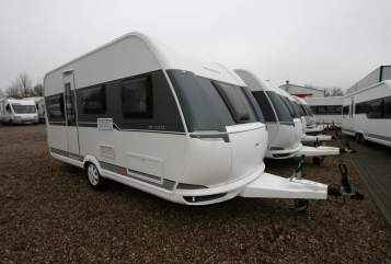 Hire a motorhome in Premnitz from private owners| Hobby de Luxe Hobby de Luxe