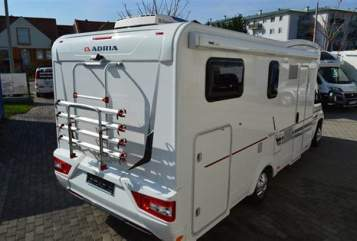 Hire a motorhome in Brockel from private owners| Adria Homerunner