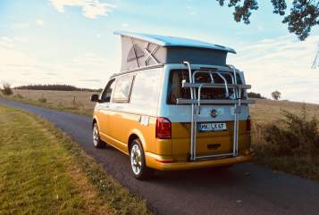 Hire a motorhome in Herscheid from private owners| VW T6 Camperlux 1