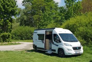 Hire a motorhome in Frankenthal from private owners| Knaus Super Schnucki