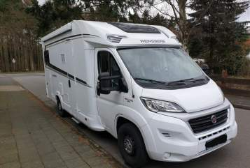 Hire a motorhome in Reinbek from private owners| Weinsberg Cara