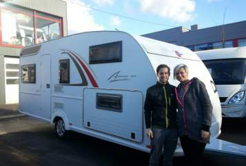 Hire a motorhome in Frankfurt am Main from private owners| Bürstner Averso  LuNa