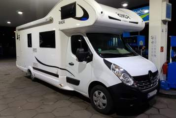Hire a motorhome in München from private owners  Rimor Lea-Supertramp