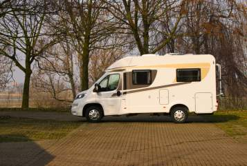Hire a motorhome in Duisburg from private owners| Carado  Hanti 2 T135